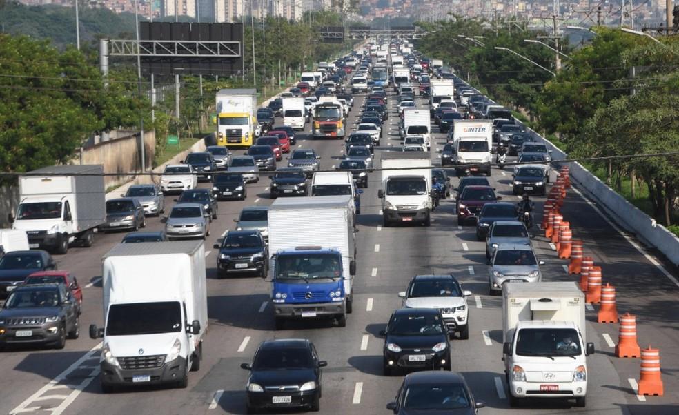 Valores das taxas de trânsito e calendário do IPVA para 2021 já estão disponíveis