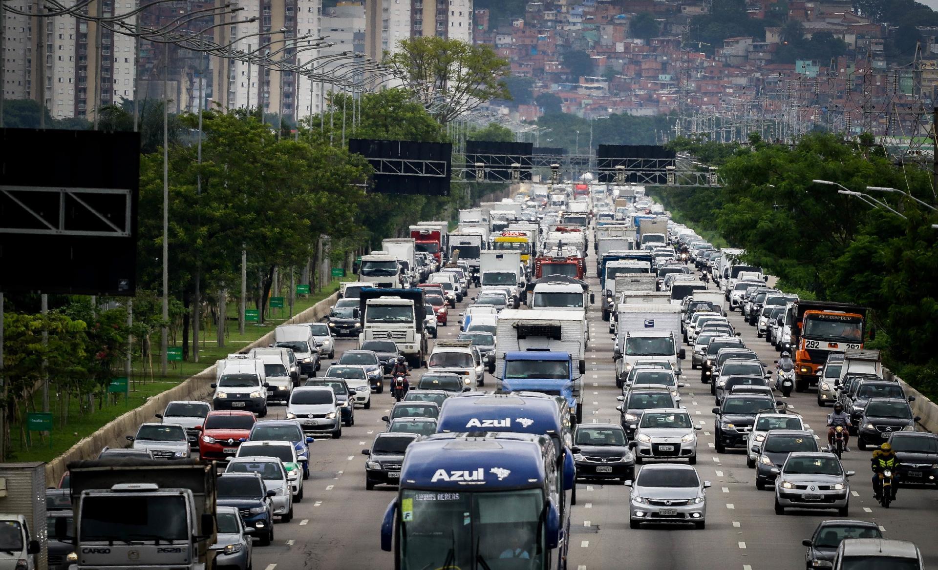 Lei que reajustou valores das taxas de trânsito foi publicada em outubro; entenda
