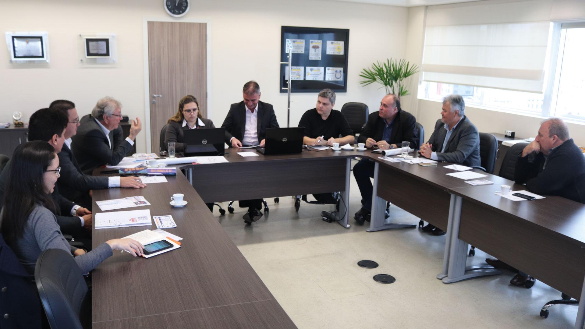 Sindicato recebe presidente da Abridef em terceira reunião do grupo de autoescolas que atuam com PcD